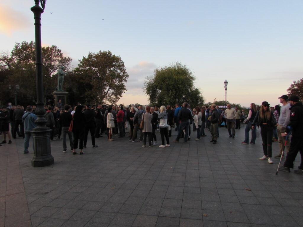 Активисты собрались у памятника Дюку
