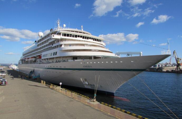 Впервые за несколько лет Одессу посетил иностранный круизный лайнер (фото)