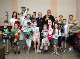 Столетний Буратино и артистка, которая не помещается на сцене: путешествие по одесскому «дому оживших сказок»