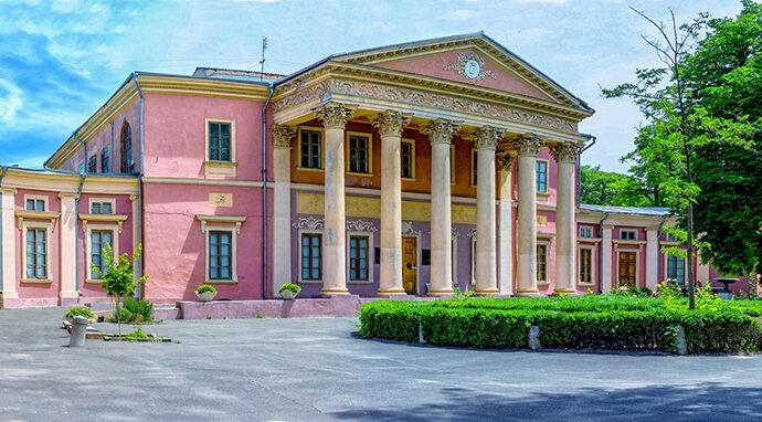 Искусство выходит из карантина: какие одесские музеи вернулись к своей работе?