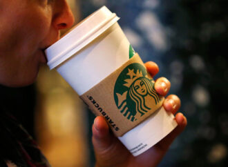 Одесситов в центре города приглашают бесплатно отведать кофе на рекорд