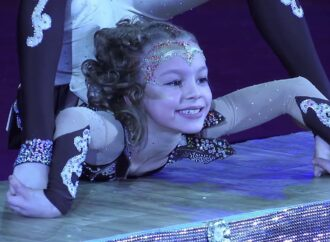 Дівчинка з Одещини отримала золото на фестивалі циркового мистецтва в Італії
