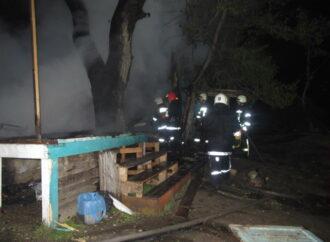 На Чкаловском пляже в Одессе горели деревянные домики