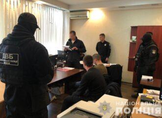Полицейские пытают и выбивают показания у невиновных: одесская прокуратура опубликовала видео
