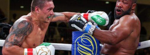 Победный дебют: Усик выиграл бой в супертяжелом весе