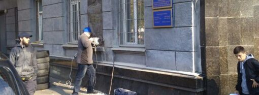 В Одессе демонтировали скульптурный объект в честь советского полководца (фото)
