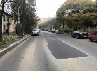 Движение на Маршала Говорова в Одессе снова безопасно: провал на дороге залатали
