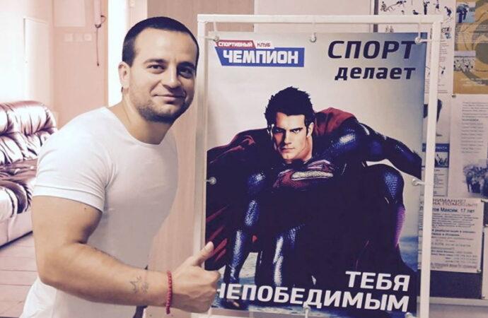 Одесский Ван Дамм удивил народ леденящим кровь трюком (фото, видео)