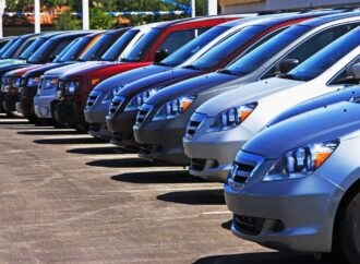 Українці стали частіше купувати старі авто: продажі зросли в 4 рази