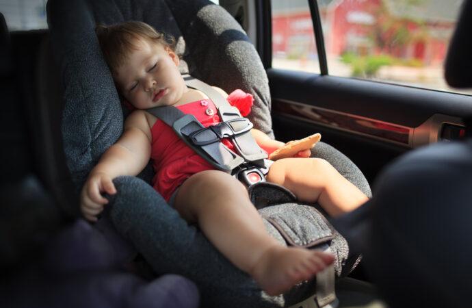Завтра уже штрафуватимуть: одеситам варто готуватися до відповідальності за перевезення дітей без автокрісла