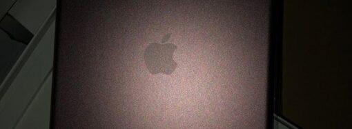 Планшети Apple та колонки JBL: в Одесі викрили велику партію контрабанди з Китаю