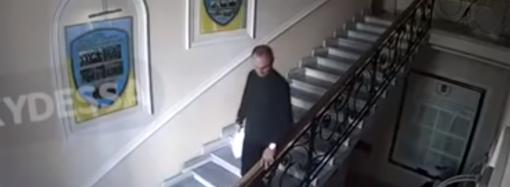 Камнепад в здании одесской полиции: как это было (видео)