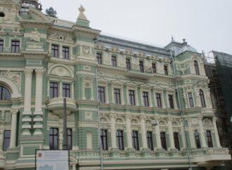В Одессе на 42 миллиона гривен стала дороже реконструкция дома Руссова