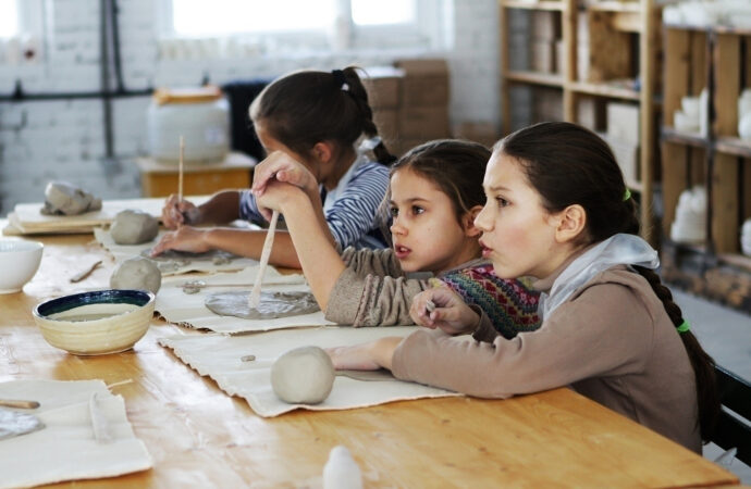 Шьем домовенка и лепим пиалу-лису: чем в эти выходные заняться с детьми в Одессе