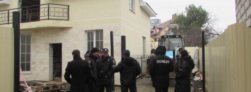 «Темные» регистраторы и недобросовестный застройщик: как и почему в Одессе снесли два дома (фото)