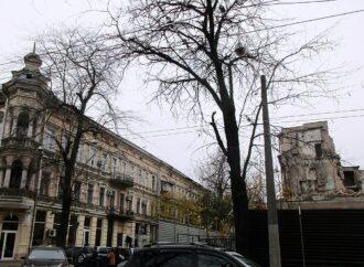 Одесская улица Княжеская: особнячки-оградочки, трещинки-руиночки (фото)