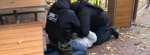 В Одесі чоловік планував напад на свого роботодавця, поліцейські цьому вміло завадили