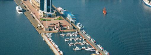 Одеський та Чорноморський порти планують тимчасово передати у користування приватникам