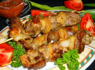 Готовим вместе: три рецепта блюд с куриной печенью