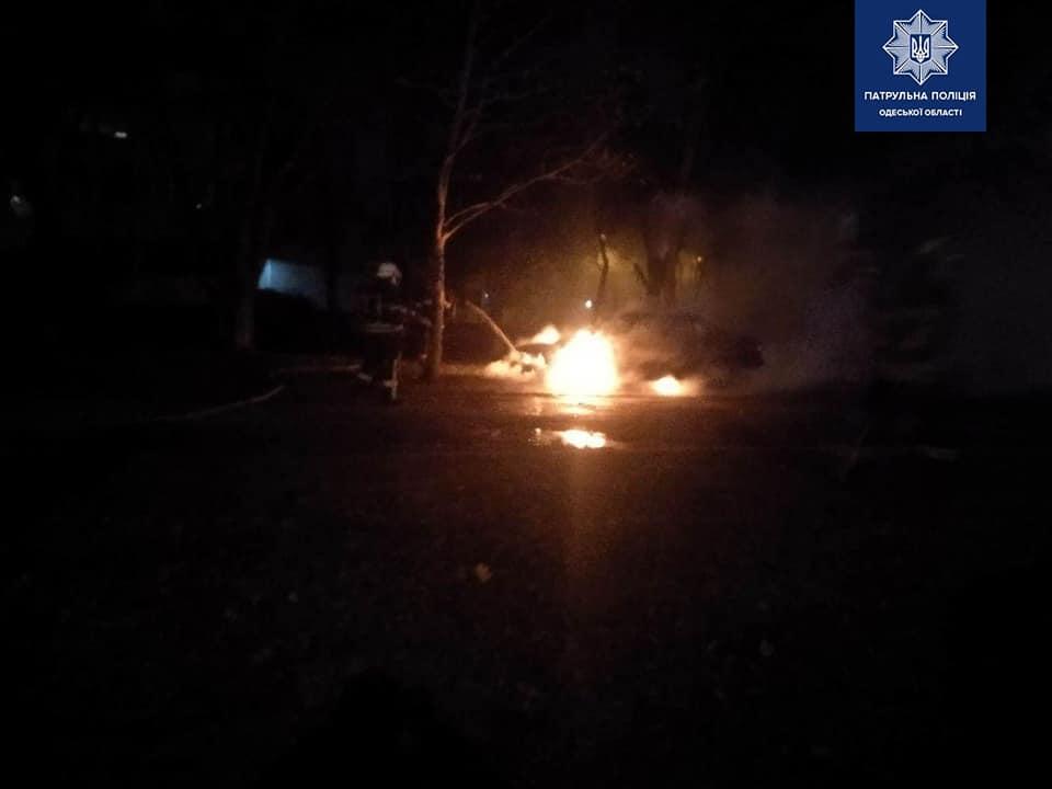 Автомобиль загорелся в считанные секунды