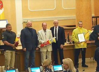 В Одессе наградили водолазов, которые помогли спасти экипаж затонувшего судна Delfi