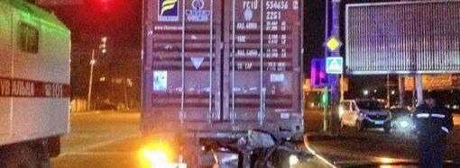На окраине Одессы произошла авария с участием внедорожника: есть жертвы (фото)