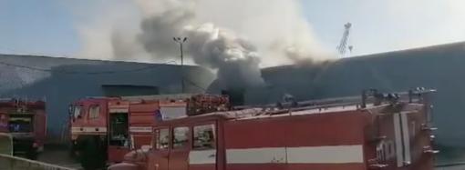 Пожар на 7-ом километре в Одессе: горят склады (видео)