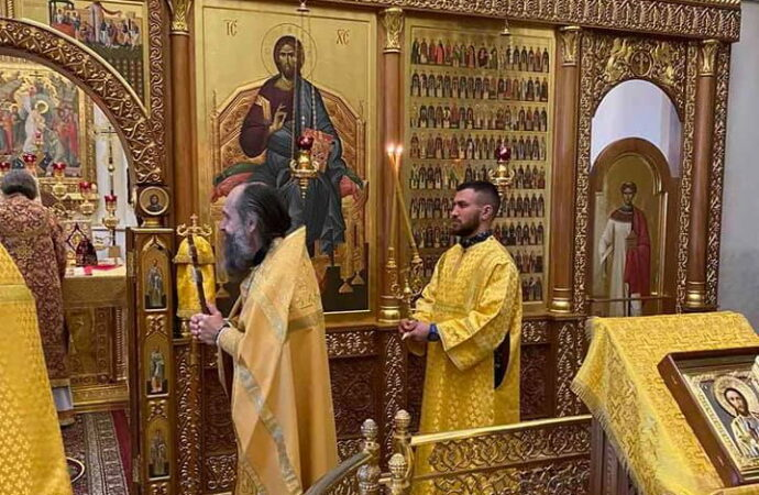 Одесский чемпион Василий Ломаченко стал служителем храма (фото)