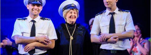 Ты – в сердце моем: в Одесской Музкомедии чествовали первую исполнительницу гимна города