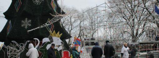 На Думской площади в Одессе — большие хлопоты (фото)