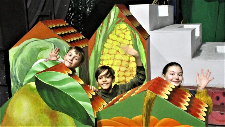 Юные артисты, занятые в спектакле Богдан Гончаренко, Андрей Конюшняк, Соня Секриеру
