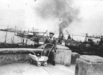 Одессит нашел на улице старую пленку и распечатал ее: на снимках оказался послевоенный город
