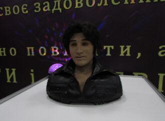 Поговорить с роботом и стать супергероем: в Одессе проходит необычная техновыставка (фото, видео)