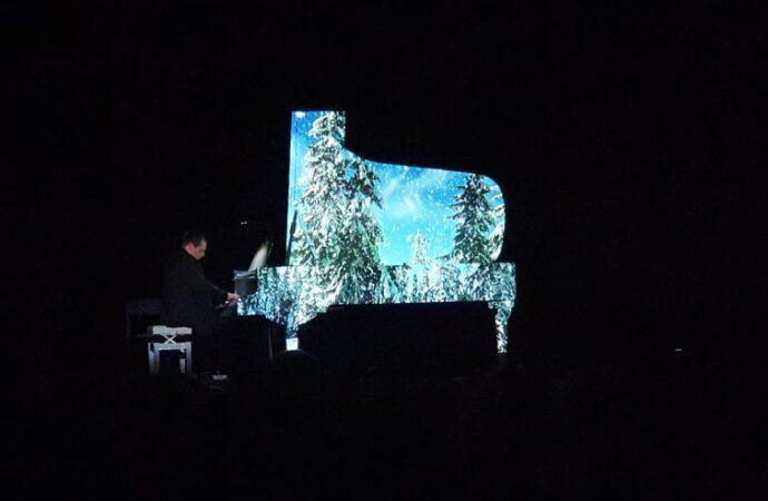 Рояль-анимация и шедевры мировой классики: концерт Алексея Ботвинова в Одессе прошел с аншлагом