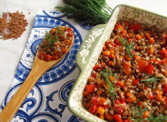 С грибами, баклажанами и яблоками: три рецепта блюд из гречки