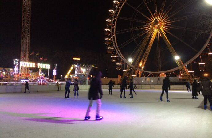 Какие ледовые катки уже открылись в Одессе?