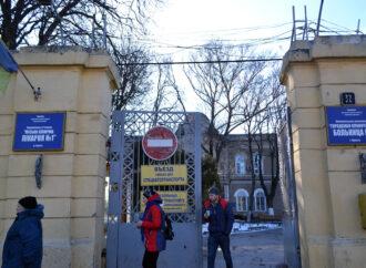 Попасть к врачу в праздники: график работы медицинских учреждений Одессы