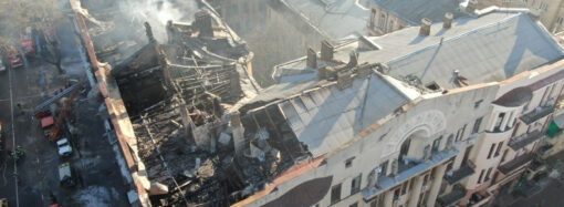 Перекриттів між поверхами немає: як виглядає згоріла будівля на Троїцькій (фото)
