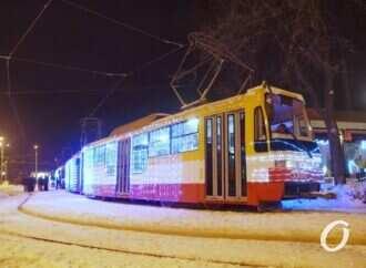 Парад трамваев в Одессе состоялся, несмотря на дождь (видео)