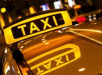 В Одессе двое мужчин напали на молодого таксиста