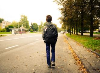 В Одесі оштрафували жінку за те, що її син без поважної причини прогулював школу