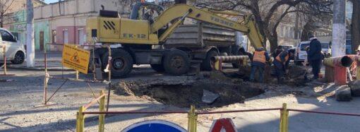 Придется объезжать: из-за ремонта центр Одессы сковали пробки (фото)