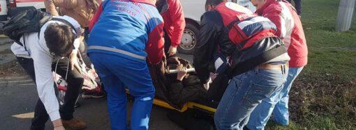 В Одессе волонтеры спасли от сердечного приступа пожилого мужчину