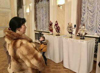 На выставке в Украинском театре Одессы показывают персонажей вертепа (фото)