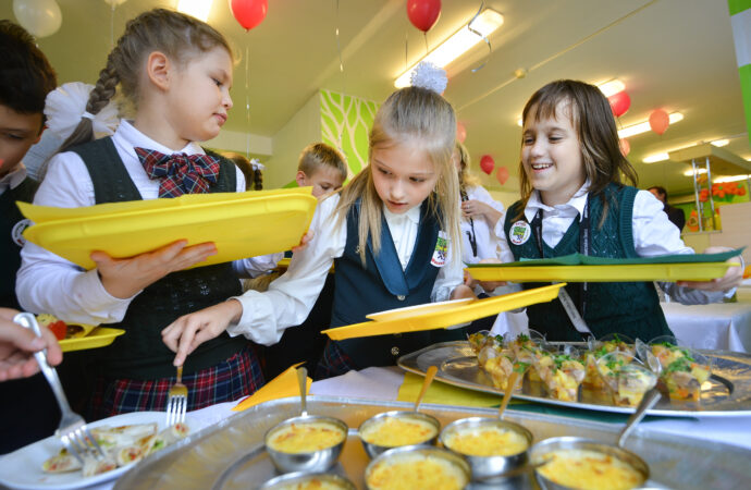Питание в школах Одессы подорожает: меню станет другим