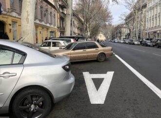 Водителей в Одессе регулярно штрафуют за нарушения на новой полосе в центре города