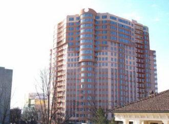 В Одессе жильцам 22-этажного здания отключили лифты