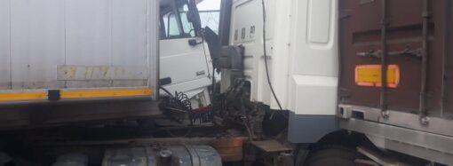 Крупное ДТП на трассе Одесса-Киев: столкнулись 11 транспортных средств