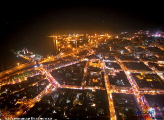 В сети показали снимки вечерней Одессы в огнях с высоты птичьего полета (фото)