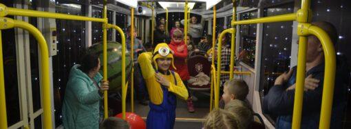 Рождественская сказка: после побега мальчика из детдома в Одессе устроили повторный парад трамваев
